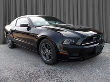 2014_Ford_Mustang_V6_ Wynnewood PA