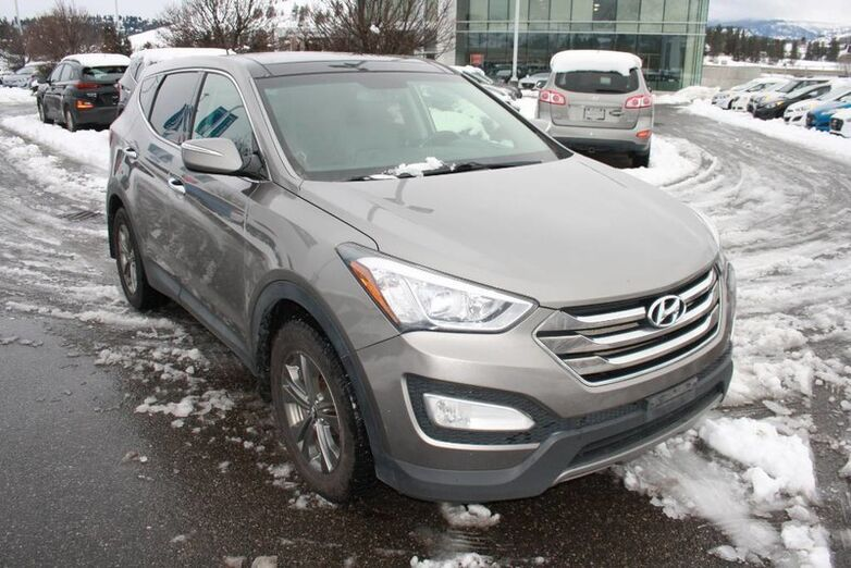 2014 Hyundai Santa Fe Sport Luxury Bluetooth, Heated seats, Leather, Sunroof. Kelowna BC