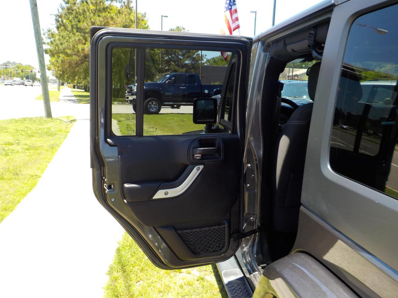 2014 JEEP WRANGLER SAHARA UNLIMITED 4X4, RUNNING BOARDS, TOW, KEYLESS ENTRY, AUXILIARY PORT, CRUISE CONTROL! Virginia Beach VA