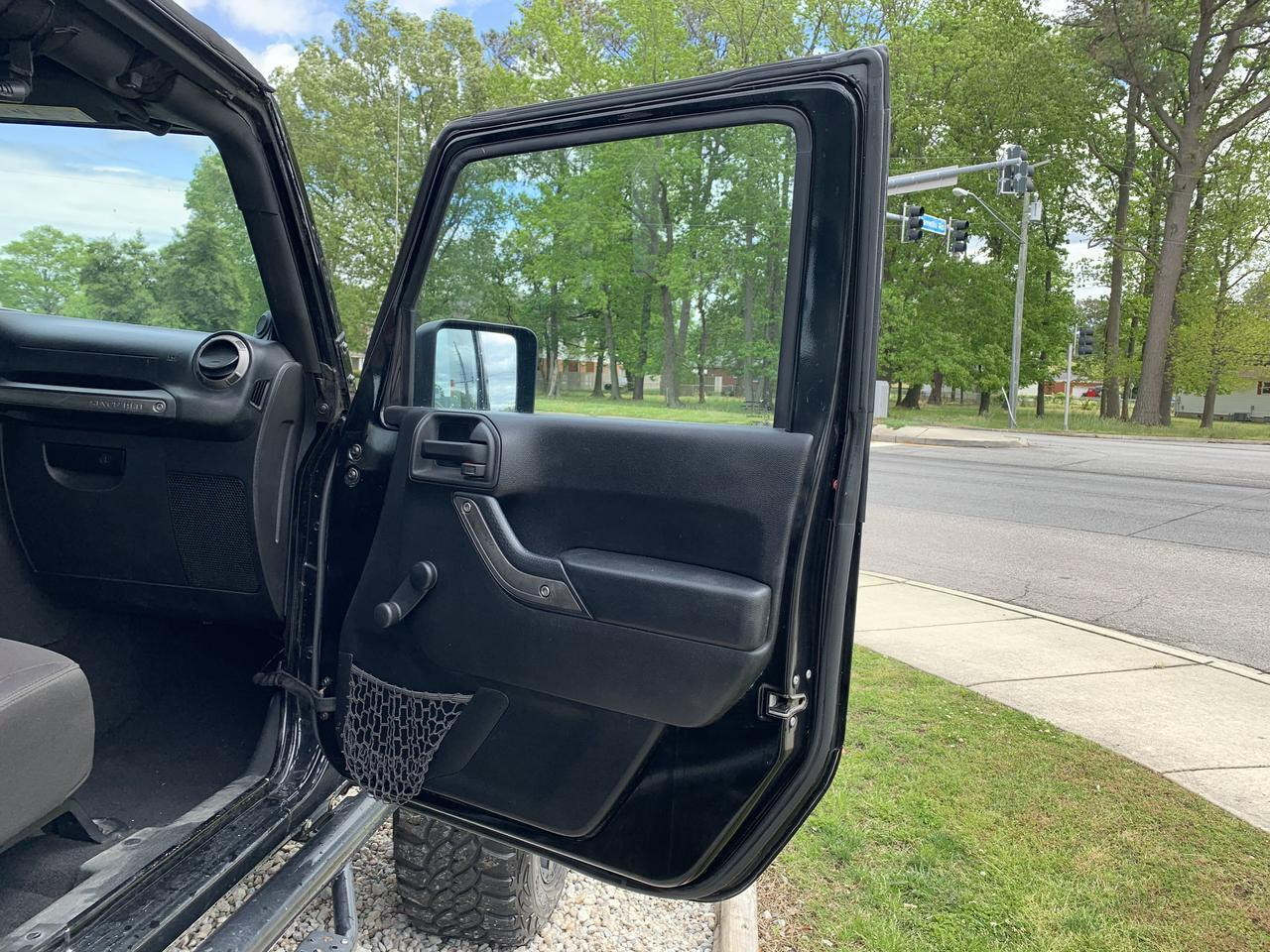 2014 JEEP WRANGLER UNLIMITED SPORT 4X4, WARRANTY, SOFT TOP, LIFTED, RUNNING BOARDS, AUX PORT, 1 OWNER, LOW MILES! Norfolk VA