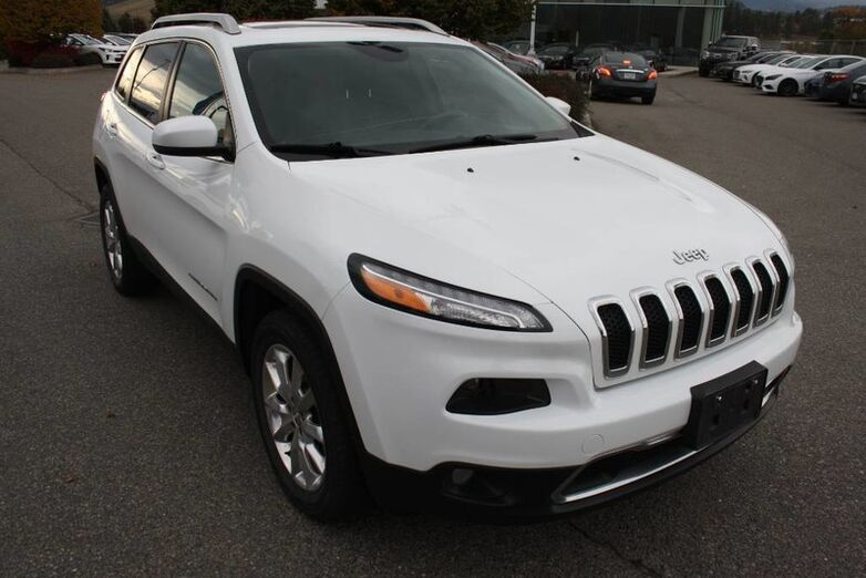 2014 Jeep Cherokee Limited Heated seats, Bluetooth, Power options, Leather, Sunroof, Full load. Kelowna BC
