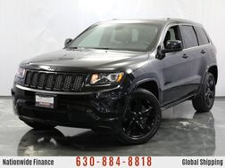 2014_Jeep_Grand Cherokee_3.6L V6 **Flex-Fuel Engine** AWD Altitude w/ Sunroof, Navigation, Bluetooth Connectivity, AXU/USB/SD Card Support, Push Start Button, Cold Weather Package (Heated Seats & Steering Wheel)_ Addison IL