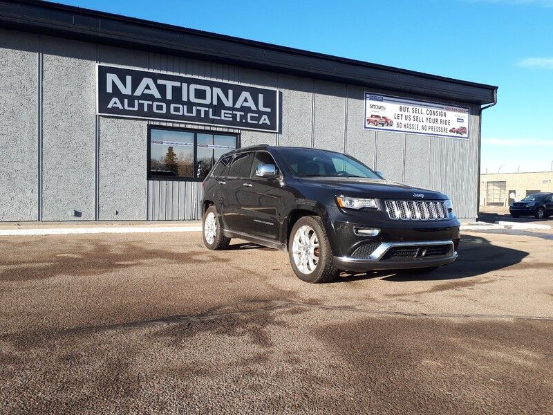 2014 Jeep Grand Cherokee Summit - 4WD, HEATED AND COOLED SEATS, NAVIGATION Lethbridge AB