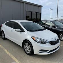 2014_Kia_Forte_LX M6_ Kansas City MO