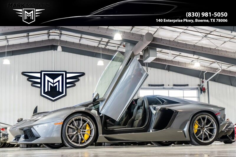 2014_Lamborghini_Aventador_Roadster_ Boerne TX