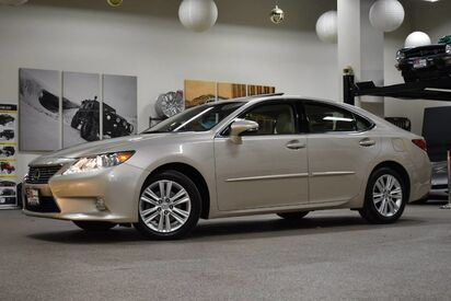 2014_Lexus_ES 350__ Boston MA