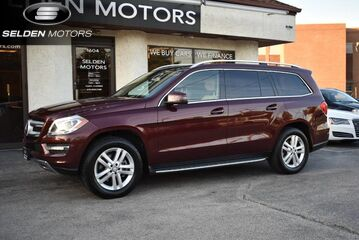 2014_Mercedes-Benz_GL-Class_GL 350 BlueTEC_ Conshohocken PA