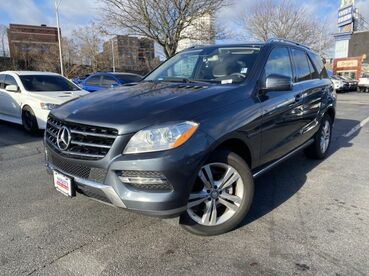 2014_Mercedes-Benz_M-Class_ML 350_ Worcester MA