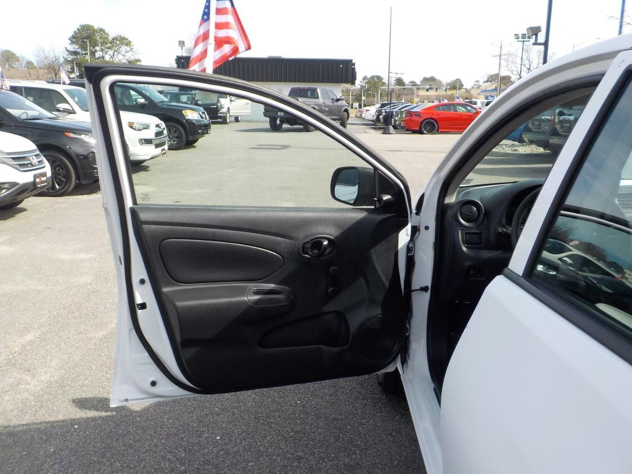 2014 NISSAN VERSA MANUAL 5 SPEED FWD, VERY CLEAN, WELL MAINTAINED, ONLY 80K MILES! Virginia Beach VA