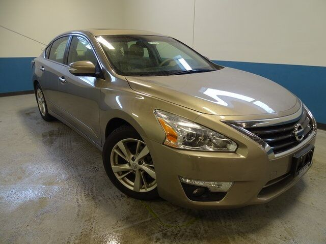 2014 Nissan Altima 2.5 SL Plymouth WI