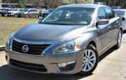2014 Nissan Altima w/ BLUETOOTH