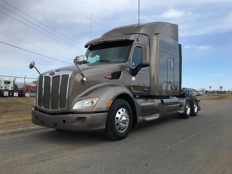 2014_Peterbilt_579_Raised Roof_ Eau Claire MN