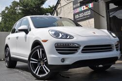 Porsche Cayenne Platinum Edition/AWD/Navigation/Porsche Entry & Drive/Lane Change Assist/Park Assist w/ Front & Rear View Cams/Heated & Ventilated Front Seats/Heated Walnut Steering Wheel/Bose/21'' Turbo Wheels 2014