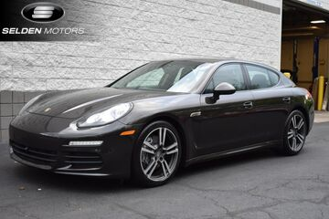 2014_Porsche_Panamera__ Willow Grove PA