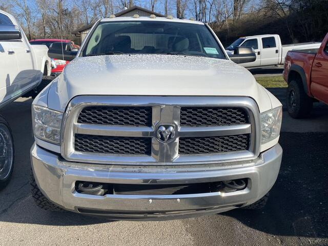 2014 RAM 2500 CREW CAB 4X4 TRADESMAN 6 SPEED MANUAL TRANSMISSION Bridgeport WV