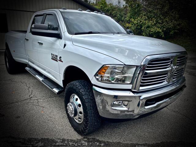 2014_RAM_3500 CREW CAB 4X4_BIG HORN 6 SPEED MANUAL TRANSMISSION_ Bridgeport WV