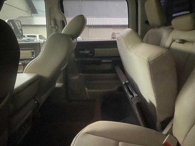2014 RAM 3500 CREW CAB 4X4 LARAMIE 6 SPEED MANUAL TRANSMISSION Bridgeport WV