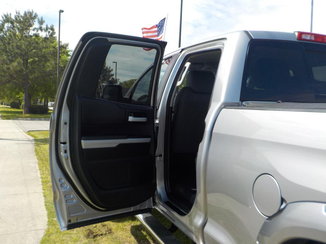 2014 TOYOTA TUNDRA SR5 DOUBLE CAB 4X4, WARRANTY, ULTRA RIMS, BRUSH GUARD, RUNNING BOARDS, BLUETOOTH, TOW, AUX PORT! Virginia Beach VA