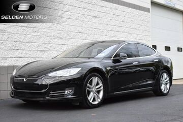 2014_Tesla_Model S_60 kWh Battery_ Willow Grove PA