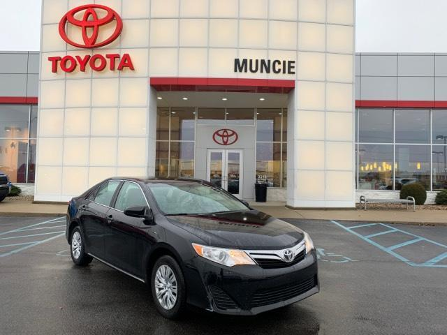 2014 Toyota Camry 2014.5 4dr Sdn I4 Auto LE Muncie IN