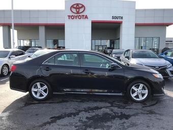 2014_Toyota_Camry_4dr Sdn I4 Auto SE *Ltd Avail*_ Richmond KY