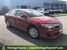 2014 Toyota Camry Hybrid LE South Burlington VT