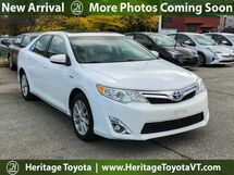 2014 Toyota Camry Hybrid XLE South Burlington VT