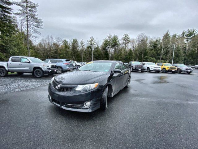 2014 Toyota Camry SE Sport Claremont NH