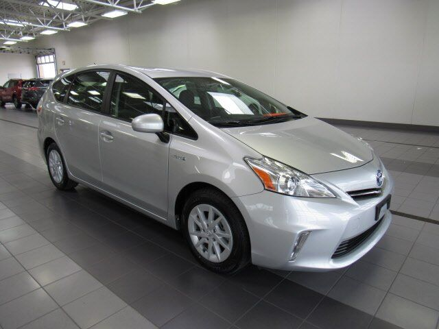 2014 Toyota Prius v Two Green Bay WI
