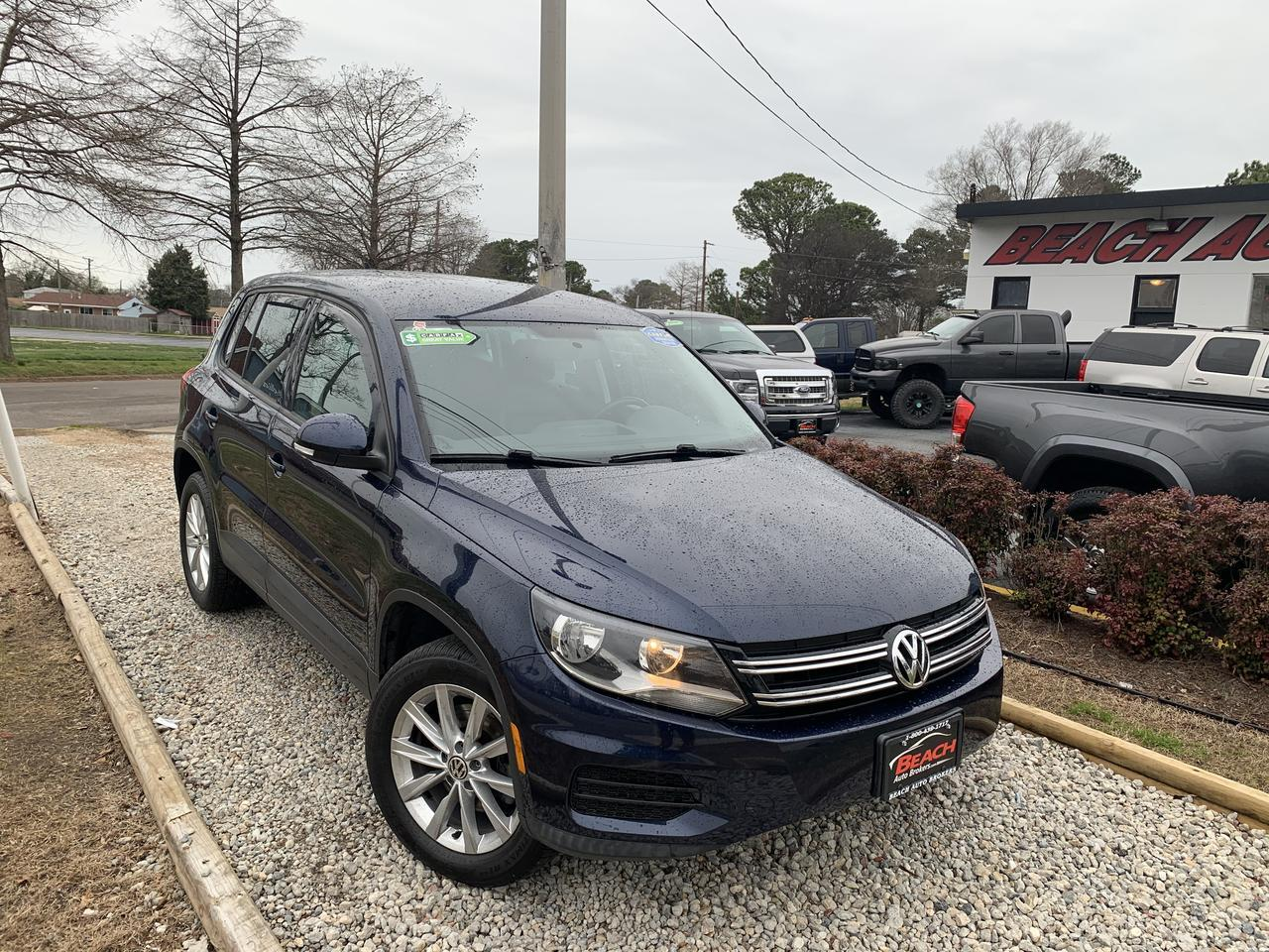 2014 VOLKSWAGEN TIGUAN SE, WARRANTY, LEATHER, SIRIUS RADIO, AUX/USB PORT, PARKING SENSORS, CLEAN CARFAX!