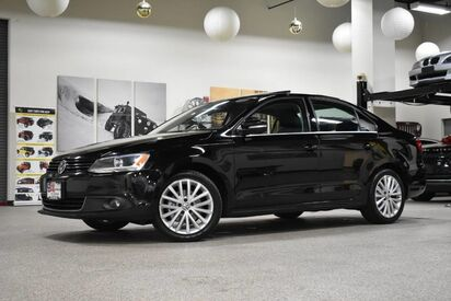 2014_Volkswagen_Jetta_SEL_ Boston MA