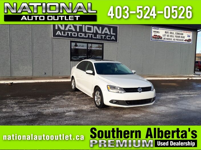 2014 Volkswagen Jetta Sedan Comfortline - HEATED CLOTH SEATS - SUNROOF Lethbridge AB