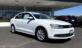 2014_Volkswagen_Jetta Sedan_SE w/Connectivity/Sunroof PZEV_ Irvine CA