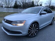 2014_Volkswagen_Jetta Sedan_SE w/Connectivity/Sunroof_ Whitehall PA
