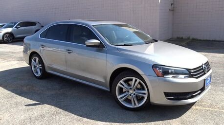 2014_Volkswagen_Passat_SE with Sunroof_ Longview TX