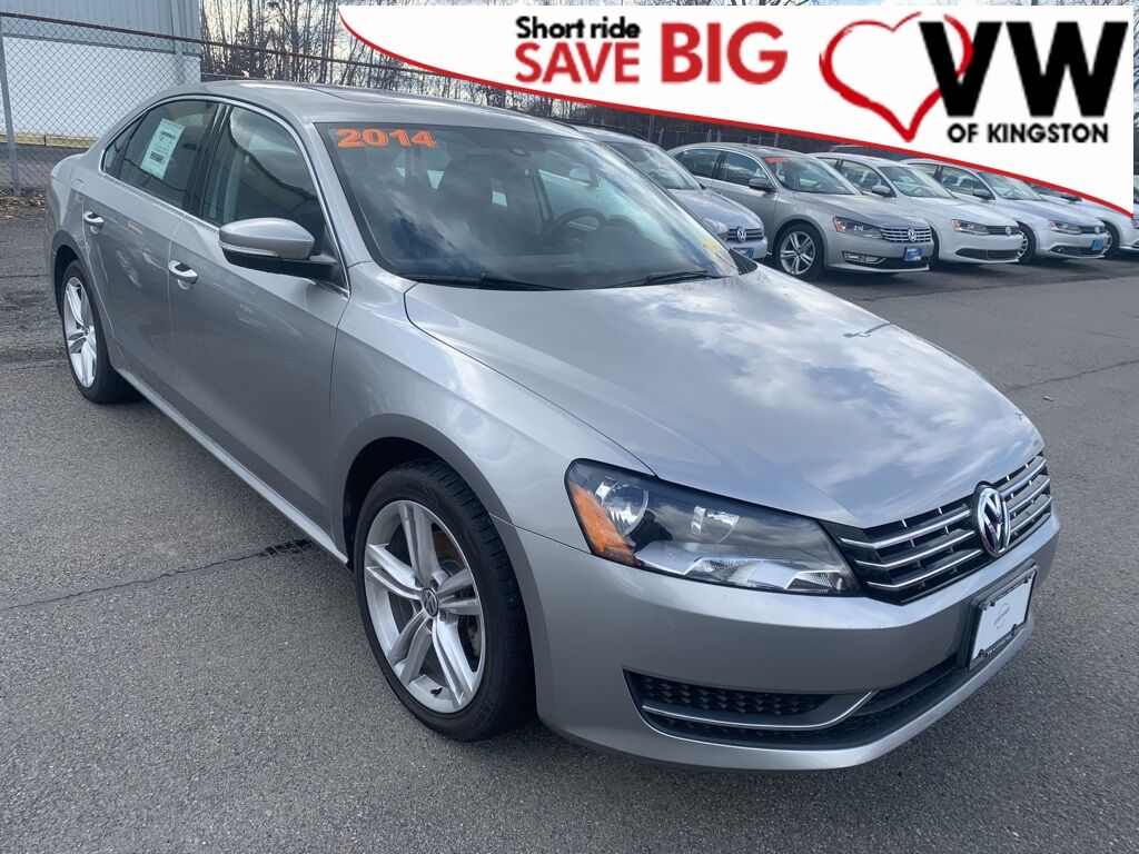 2014_Volkswagen_Passat_TDI SE w/Sunroof_ Kingston NY
