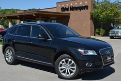 Audi Q5 Premium Plus/Quattro AWD/Blind Spot Monitor/Panoramic Sunroof/Keyless Go/Nav/Rear View Cam/Heated Leather/Sport Seats/Cross Rails For Roofrack Included/31 MPG! 2015