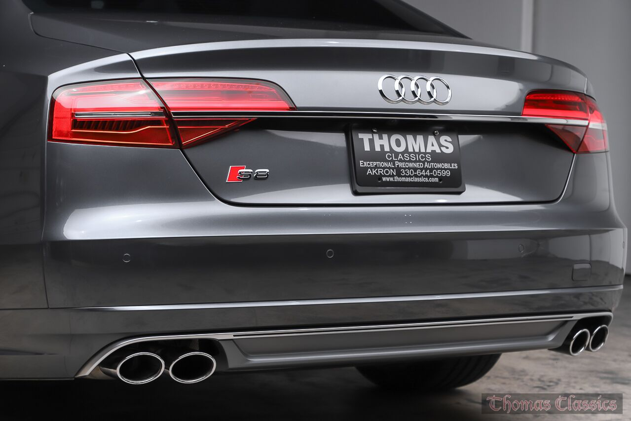 2015 Audi S8  Akron OH