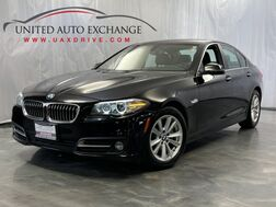 2015_BMW_5 Series_528i xDrive / 2.0L Engine / AWD / Navigation / Sunroof / Parking Sensors with Rear View Camera / Push Start / Heated Leather Seats_ Addison IL