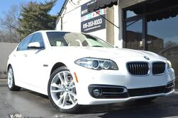 BMW 5 Series 535i/Luxury Line/Navigation/Rear-View Camera w/ Park Distance Control/Premium Package with Comfort Access, Hands-Free Open/Close Deck Lid, Heated Front Seats, SiriusXM Satellite Radio/Lighting Package 2015