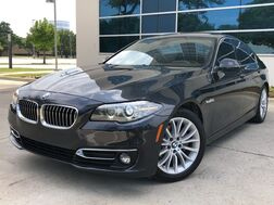 2015_BMW_528i_LUXURY LINE PREMIUM PACKAGE NAVIGATION SUNROOF LEATHER SEATS HEATED SEATS REAR CAMERA WITH PARKING DISTANCE CONTROL KEYLESS START AUTO START/STOP BLUETOOTH_ Addison TX