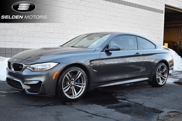 2015_BMW_M4__ Willow Grove PA