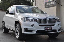 BMW X5 xDrive35i/xLine Package w/ 20'' Wheels/Premium Pkg w/ Comfort Access/Driver Assistance Pkg w/ Head-Up Display, Rear-View Camera & Park Distance Control/Cold Weather Pkg w/ Heated Front & Rear Seats, Heated Steering Wheel/Panoramic Roof/Running Boards 2015