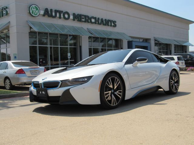 2015 BMW i8 ELECTRIC, AUTOMATIC, HEADSUP DISPLAY, BUTTERFLY DOORS, LEATHER, NAVIGATION, PEDESTRAIN ASSIST Plano TX