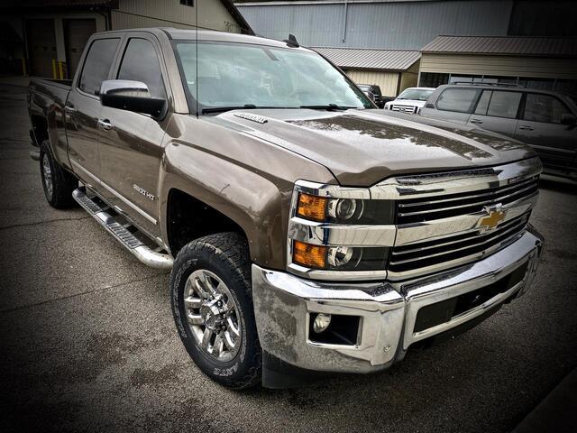 2015_CHEVROLET_SILVERADO 2500 CREW CAB 4X4_LTZ_ Bridgeport WV