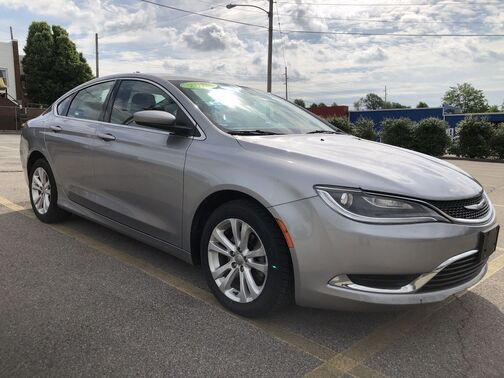 2015_CHRYSLER_200_Limited_ Frankfort KY