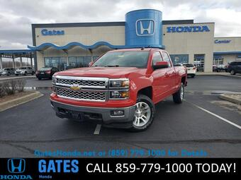 2015_Chevrolet_Silverado 1500_4WD Double Cab 143.5 LT w/1LT_ Richmond KY