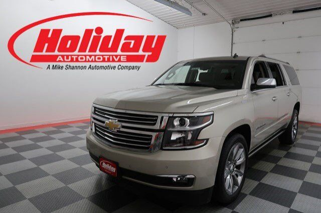 vehicle details 2015 chevrolet suburban at holiday automotive fond du lac holiday automotive. Black Bedroom Furniture Sets. Home Design Ideas