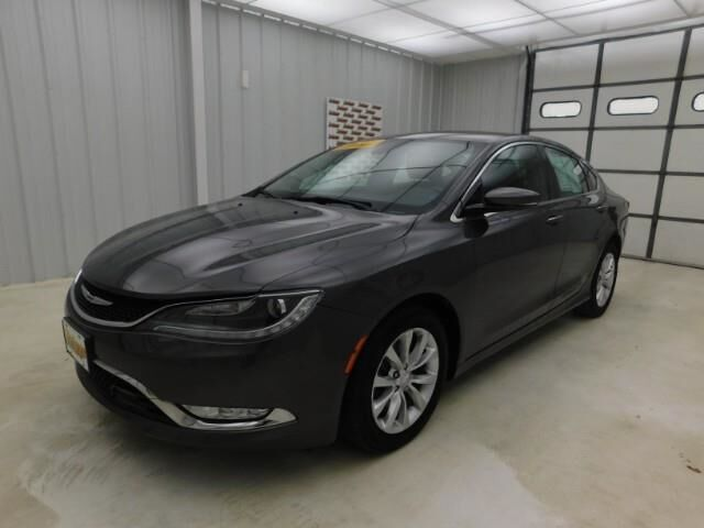 2015 Chrysler 200 4dr Sdn C FWD Manhattan KS