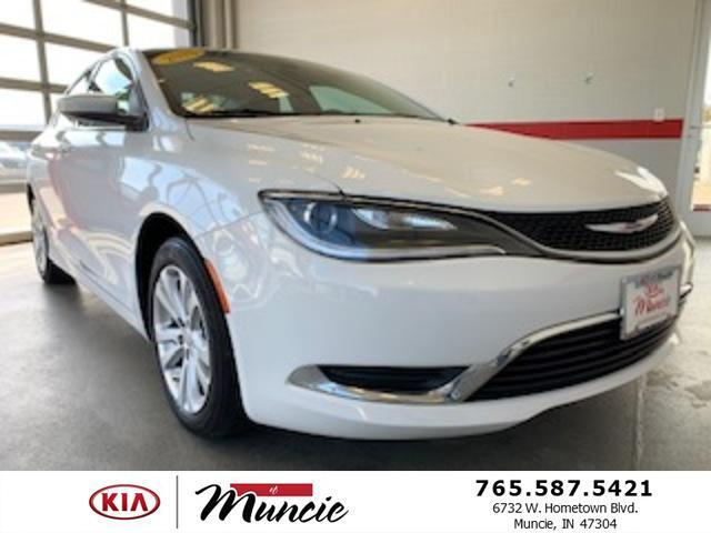 2015 Chrysler 200 4dr Sdn Limited FWD Muncie IN